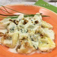 Estos tortellini con salsa de roquefort quedan mejor si los hacemos con pasta fresca. Reduce los tiempos de cocción según indique el fabricante.