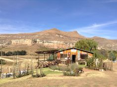 Fantastic lunch with an even more fantastic view! Free State, Places Ive Been, Planets, Lunch, Cabin, House Styles, Home Decor, Decoration Home, Room Decor