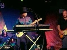 Check out Cosmo Topper on ReverbNation
