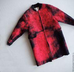 Верхняя одежда ручной работы. Красное пальто из ручного войлока PolarPilot. Felt&Paper. Ярмарка Мастеров. Пальто из шерсти, Дизайнерское пальто