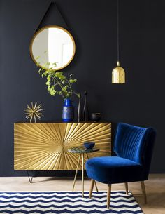 We're totally star-struck. Brass-painted and bursting with Deco appeal, the Ziggy sideboard will greet you radiantly every day without fail.