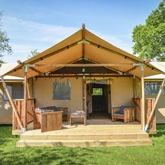 Purchase The Luxury lodge tent for yóur glamping accommodation! Purchase The Luxury lodge tent for yóur glamping accommodation! Luxury Glamping, Luxury Tents, Best Tents For Camping, Camping Glamping, Family Camping, Family Travel, Tent Platform, Tent Living, Wall Tent