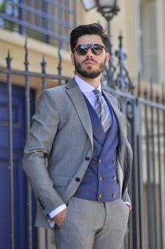 Mens Tailored Suits, Mens Casual Suits, Dress Suits For Men, Grey Suit Men, Classy Suits, Mens Fashion Suits, Men Dress, Mode Masculine, Blazer Outfits Men