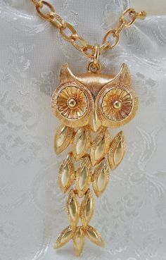 Vintage Avon Owl Necklace Pendant Goldtone by KKCollectibleCollage, $9.50 https://www.etsy.com/listing/158868863/vintage-avon-owl-necklace-pendant