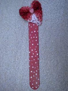 bookmark with heart crochet