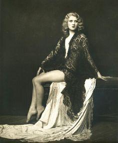 Lovely portrait of a Ziegfeld Girl by Alfred Cheney Johnston