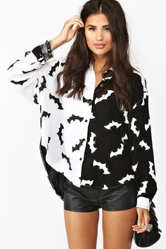 Bat Icon Blouse!  OMFG!  I need this to match the Heath Ledger Joker tank top that I have!