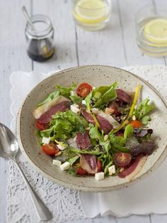 Discover recipes, home ideas, style inspiration and other ideas to try. Salad Recipes For Dinner, Dinner Salads, Mozzarella, Cooking Recipes, Healthy Recipes, Healthy Food, Food Videos, Entrees, Clean Eating