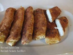 Besamel sos ve kasarli borek Crepes And Waffles, Greek Cooking, Breakfast Lunch Dinner, Turkish Recipes, Appetisers, Food Presentation, Food Photo, Appetizer Recipes, Food And Drink