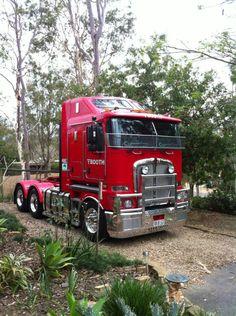 Kenworth; nice looking truck - LGMSports.com