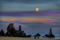 Pacific Moonset by Mark Lissick on 500px