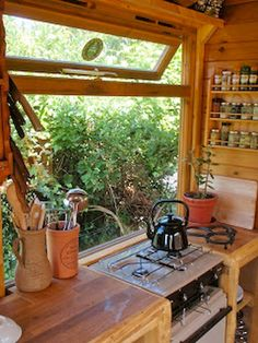 45 Impressive Tiny House Kitchen Maximize Space Ideas 45 Impressive Tiny House Kitchen Maximize Space Ideas The post 45 Impressive Tiny House Kitchen Maximize Space Ideas appeared first on Architecture Diy. Tiny House Movement, Portable House, Portable Closet, Tiny Spaces, Work Spaces, Big Windows, Tiny House Living, Tiny House Cabin, Tiny House On Wheels