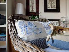 cuscino con disegno azzurro