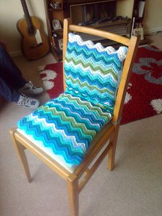 cool wavy crochet chair