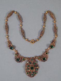 Vintage Art Nouveau Deco Filigree Green Rhinestone Festoon Lavalier Necklace