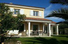 4 Bedroom Villa in Cannes to rent from £1000 pw, with a shared swimming pool. Also with balcony/terrace, air con, TV and DVD.