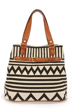 Awesome purse. Love the color and pattern.