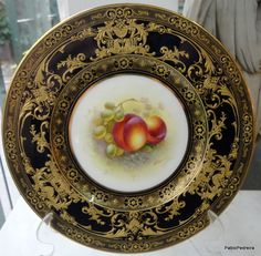 ANTIQUE   ROYAL WORCESTER PORCELAIN PLATE HAND PAINTED