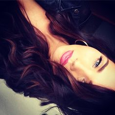 £o√€ the highlights with the dark violet-red hair!