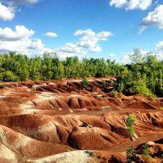 Ontario's Cheltenham Badlands To Reopen This Summer 2018 - Narcity Cheltenham Badlands, Ontario Travel, Canada, Go Hiking, New Brunswick, Nova Scotia, Travel With Kids, Road Trips, Biking