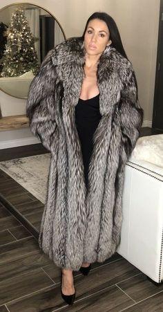 Fur Fashion, Womens Fashion, Runway Fashion, Coats For Women, Jackets For Women, Long Fur Coat, Fox Coat, Sheepskin Coat, Fabulous Furs