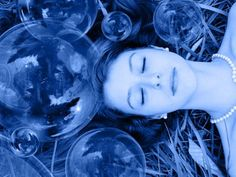 Flotation therapy is an excellent way to relax, relieve pain, fight depression, and improve your health.