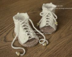 Crochet baby sandals, gladiator sandals, booties, shoes, cream and tan, wooden beads, READY TO SHIP, size 3-6 months