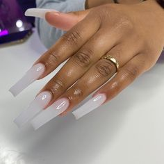 p i n: 𝖑𝖎𝖛𝖉𝖍𝖆𝖉𝖔𝖓♥ Bling Acrylic Nails, Clear Acrylic Nails, Aycrlic Nails, Summer Acrylic Nails, Glam Nails, Nail Swag, Long Square Acrylic Nails, Long Square Nails, Tapered Square Nails
