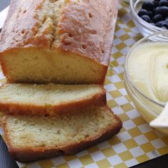 Emeril's Lemon Pound Cake With Lemon Pastry Cream