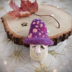 Closer look at mushroomed elf brooch 🍄