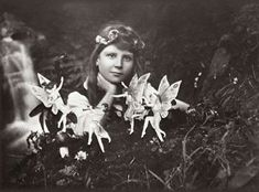 Fairy Forts Sir Arthur Conan Doyle believed in fairies. While his most famous creation Sherlock Holmes would have debunked the 1917 Cottingley Fairy photographs in short. Sir Arthur, Arthur Conan Doyle, Real Fairies, Fairies Photos, Fake Photo, Magical Creatures, Historical Photos, Faeries, Fairy Tales