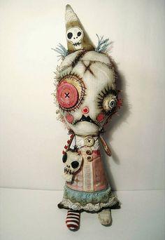 Monster Mim - art doll by Junker Jane Zombie Dolls, Voodoo Dolls, Ugly Dolls, Creepy Dolls, Monster Dolls, Monster Art, Halloween Doll, Halloween Crafts, Fabric Dolls
