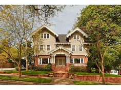 Architectural treasure in Portland Heights grid designed by William Christmas Knighton.Completely renovated grand craftsman with elegant entry, coved ceilings, exquisite detail, formal living and dining rooms, sun rooms, paneled library, family room off kitchen and large bonus room. Mature gardens on .23 acre lot with brick patio and big front porch. Attached 1 car garage.