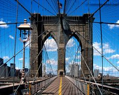 I want to walk across the Brooklyn Bridge
