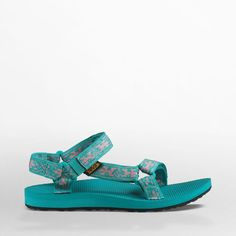 Very Cute Summer Shoes. These Shoes Will Look Good With Any Outfit. Hiking Sandals, Women's Sandals, Pack Your Bags, Outdoor Woman, Water Shoes, Cheap Shoes, Summer Shoes, Footwear, The Originals