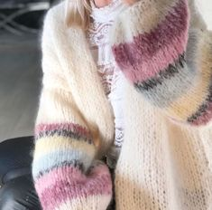 "Strikk din mote💕 on Instagram: ""God mandag i LIEVE cardigan offwhite🌸 www.knitteriet.no #nyuke #nyemuligheter #holdut"" Warm And Cozy, Beige, Cardigans, Sweaters, Instagram, Fashion, Breien, Threading, Moda"