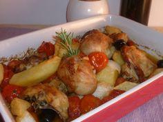 il pollo con patate olive e pomodorini, un' esplosione di sapori mediterranei per un pollo arrosto saporito che fa felice tutta la famiglia