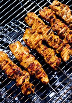 This EASY Grilled Chicken Shawarma recipe is bursting with Middle Eastern Flavors! Serve it as a wrap, in pita bread with tzatziki sauce and Israeli Salad. | #shawarma #chicken #chickenshawarma #shawarmawrap Shawarma Chicken, Tandoori Chicken, Homemade Pita Bread, Shawarma Recipe, Salad Places, Israeli Salad, Healthy Grilling Recipes, Tzatziki Sauce, Easy Delicious Recipes