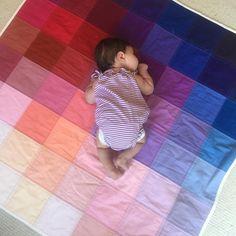 LOVE this color gradient quilt
