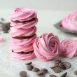 Raspberry meringue sandwiches with whipped dark chocolate ganache from Baking a Moment christmas pavlova Baked Meringue, Meringue Desserts, Just Desserts, Delicious Desserts, Dessert Recipes, Pink Desserts, Rose Meringue Cookies, Rose Cookies, Meringue Kisses