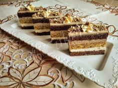 Finom kakaós-diós szelet Hungarian Recipes, Tiramisu, Food And Drink, Favorite Recipes, Treats, Baking, Sweet, Ethnic Recipes, Cakes