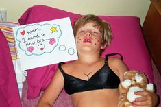 This boy's sisters who made sure he would never sleep this deeply ever again. 100 Ridiculously Funny Kids Who Will Keep You Laughing For Hours Funny Pranks, Funny Jokes, Hilarious, Funny Laugh, Funny Sports Pictures, Funny Photos, School Pictures, Minions Funny Images, Minions Quotes