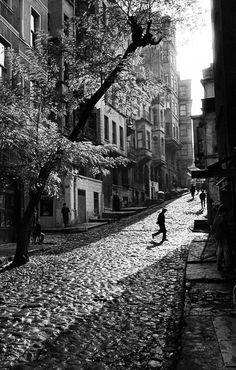 m3zzaluna:  street in tarlabasi, turkey, 1965 photo by ara güler, fromara güler's istanbul