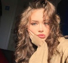 45 Cute Selfie Poses for Girls to Look Super Awesome - Page 3 of 3 - Office Salt Beauty Make-up, Beauty Hacks, Hair Beauty, Luxury Beauty, Selfie Poses, Pretty People, Beautiful People, Beautiful Eyes, Naturally Beautiful