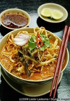 By far my favorite Thai dish - Khao Soi from northern Thailand. I must have eaten it 5 times while in Chang Mai. Man I miss it terribly. Thai Recipes, Baby Food Recipes, Asian Recipes, Cooking Recipes, Healthy Recipes, Khao Soi, A Food, Food And Drink, Dancing In The Kitchen