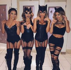 College halloween outfits group costumes How to Pull Off a Sexy Halloween Costume with Class Best Friend Halloween Costumes, Couple Halloween, Halloween College, Sexy Halloween Costume Ideas, Playboy Bunny Costume Halloween, Halloween Fashion, Halloween Cat Outfit, Halloween 2018, Cheap Costume Ideas
