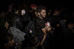 Autor: JOSEF JAKUBCO, SME; ze série Den, kdy Maďaři zavřeli hranice, Roszke, Maďarsko, září 2015; kategorie reportáž, čestné uznání
