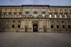 Pedro MACHUCA: Palacio de Carlos V en el recinto de La Alhambra, Granada. Fachada.