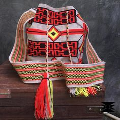 7 отметок «Нравится», 1 комментариев — Wayuu Bag , EVERLASTINGLIFE.TH (@everlastinglife.th) в Instagram: «IN STOCK พร้อมส่ง Premium High Quality : Wayuu Bag Large Size in One thread งานเทพ การเริศ งานปัง…»
