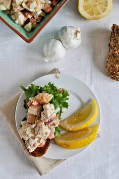 Greek Grilled Chicken Salad I howsweeteats.com
